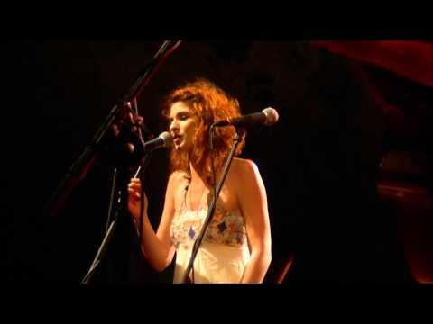 music Λαμπρινή Καρακώστα - Μην πολεμάς @ Θέατρο Βράχων, 10/06/2013