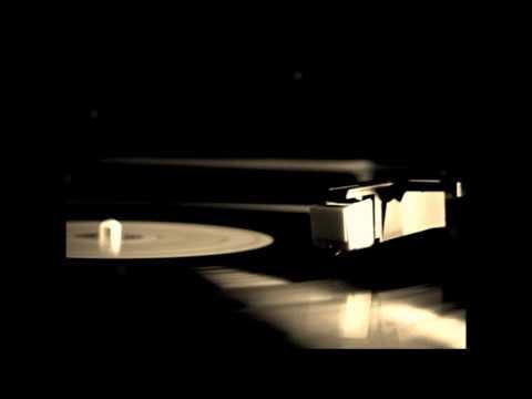 music Πάλι μονάχο το παιδί - Χάρις Αλεξίου