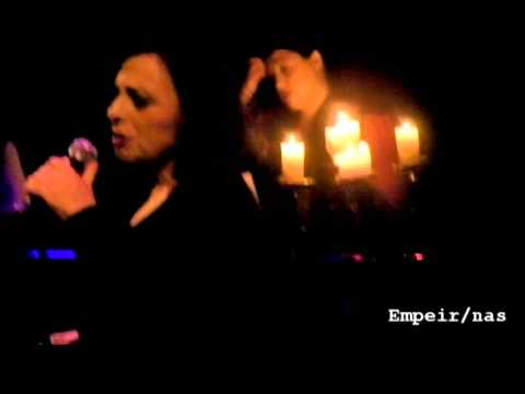music Χάρις Αλεξίου | Μανούλα μου (Χατζιδάκις) | GAZARTE 17/4/2013