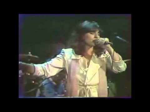 music Ερωτικό (Με μια πιρόγα) - Χάρις Αλεξίου 1984 (live)