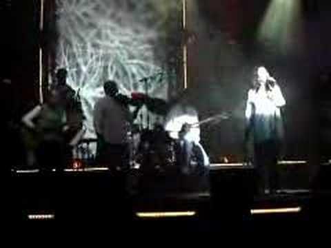 music Haris Alexiou - Ola se thimizoun (live)