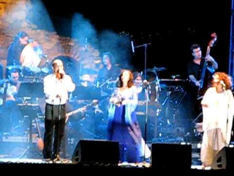 music Χάρις Αλεξίου & Τρίφωνο - Σ'αγαπώ Σ'αγαπώ