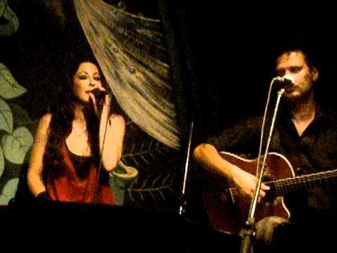 Μελίνα Ασλανίδου - Μ' άφησες σαν πόλη @Small Cafe