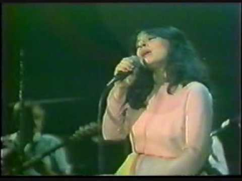 music Χάρις Αλεξίου - Ζωντανά στην Τέντα 1984 (Medley)