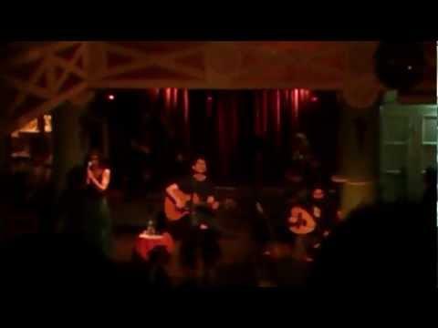 music Σωκράτης Μάλαμας - Τα παιδιά μες την πλατεία (Live)