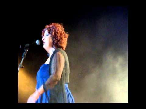 music θα με δικάσει... Μάρθα Φριντζήλα Θέατρο Πέτρας  2010