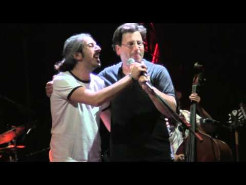 music Το Σκουλαρίκι | Θανάσης Παπακωνσταντίνου - Γιάννης Χαρούλης