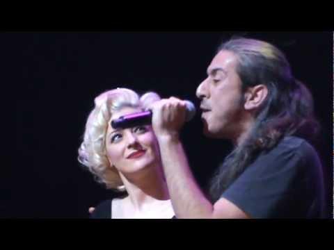 music N.Bofiliou & G. Haroulis - Koita egw (Kyklos Live Stage 16.02.2013)