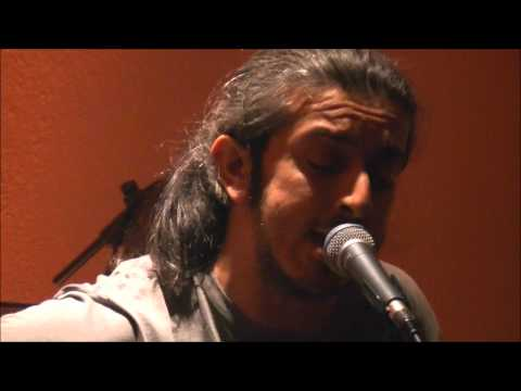 music Γιάννης Χαρούλης - Η τίγρη @ Δοχός, 17/12/2011