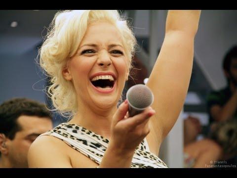music Νατάσσα Μποφίλιου - Η καρδιά πονάει όταν ψηλώνει @ Reload
