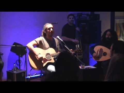 music Γιάννης Χαρούλης - Το σκουλαρίκι @ Δοχός, 17/12/2011
