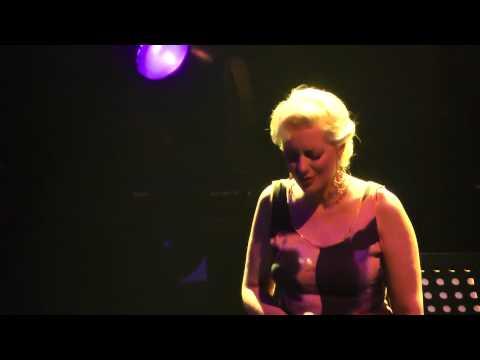 music Εν Λευκώ | Νατάσσα Μποφίλιου - Γιάννης Χαρούλης