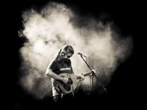 music Ο Ακίνητος (ή Βούδας) ~Γιάννης Χαρούλης (studio) Μαγγανείες