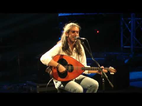 music Συ με 'μαθες πως αγαπούν | Γιάννης Χαρούλης ( Λυκαβηττός 2013 )