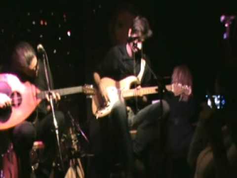 music Natassa Bofiliou & Giannis Xaroulis - Koita egw (Pirinas 12.11.2010)
