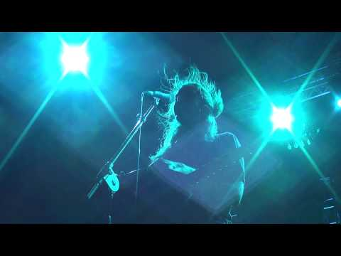music Έλα πάρε με - Γιάννης Χαρούλης ( Θέατρο Βράχων Βύρωνα 2013 )
