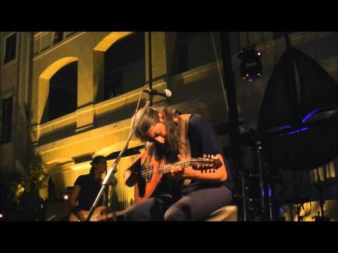 music Γιάννης Χαρούλης - Δε λες κουβέντα @ Μονή Λαζαριστών