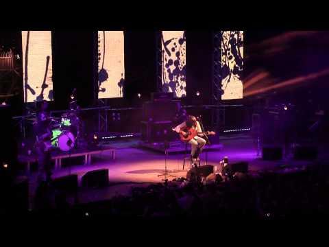 music Γιάννης Χαρούλης | Δε λες κουβέντα ( Live )
