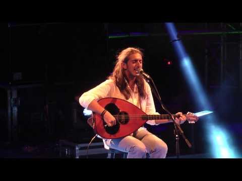 music Κόσμε Χρυσέ | Γιάννης Χαρούλης ( Λυκαβηττός 2013 )