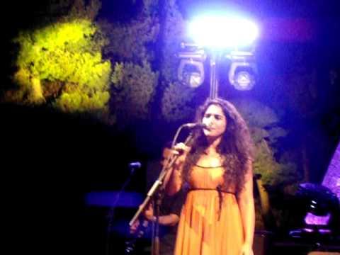 music Na valo ta metaksota-Sokratis Malamas & Marina Dakanali(Lykavittos 11-07-2011)