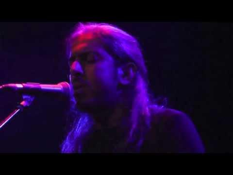 music Εζευγαρώσαν τα πουλιά | Γιάννης Χαρούλης