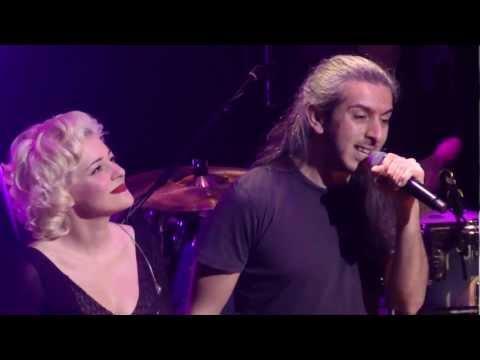 music Κοίτα εγώ   Νατάσσα Μποφίλιου - Γιάννης Χαρούλης