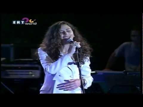 music Ελευθερία Αρβανιτάκη & Α. Ιωαννίδης - Με το Ίδιο Μακό