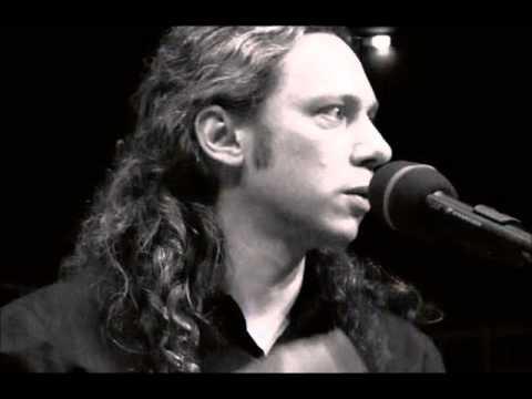 music Αλκίνοος Ιωαννίδης - Ένα το χελιδόνι