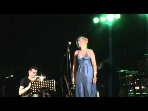 music Natassa Bofiliou & Alkinoos Ioannidis - Loxagos Erwtas (Ypati Lamias 29.06.2012)