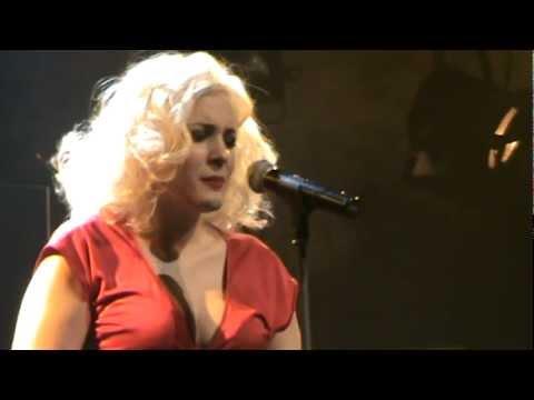 music Natassa Bofiliou & Alkinoos Ioannidis - Loxagos Erwtas (Gazoo 04.02.2012)