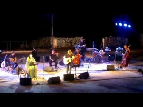 music Φαραντούρη-Ιωαννίδης (Σκουπιδαριό/Χατζιδακειάδα)