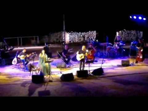music Φαραντούρη-Ιωαννίδης (Μάνα μου Ελλάς-ρεμπέτικο)
