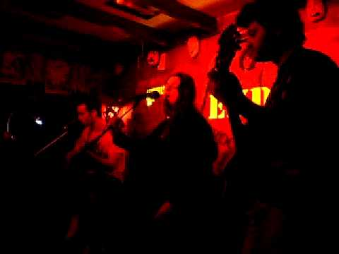music o kosmos pou allazei (alkinoos ioannidis) - tholes figoures @ friends rock bar