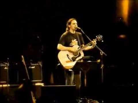 music Αλκίνοος Ιωαννίδης - Μη γυρίσεις live