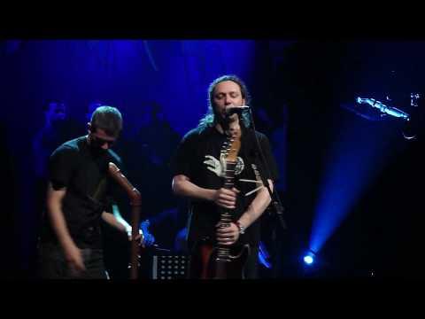music Αλκίνοος Ιωαννίδης- Μισό Φεγγάρι